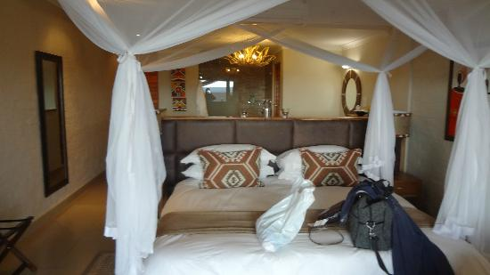 Victoria Falls Safari Club : Awesome Rooms