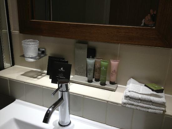 The Sanctuary House Hotel: Complimentary wash items