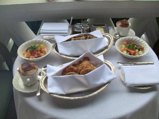 Raffles Hotel Singapore: 朝食
