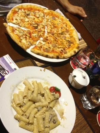 Limoncello Pizzeria & Restaurant : pizza & pasta