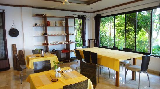 argonauta boracay boutique hotel dining area
