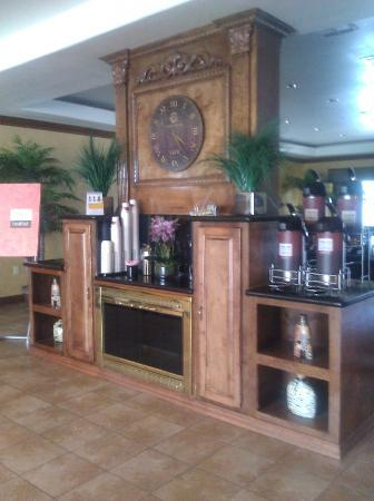 Comfort Suites: 24 hour coffee bar