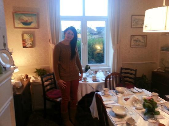 Amor Matris: Dining room