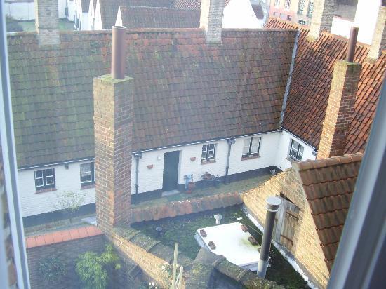 Albert 1 Hotel: vista dalla finestra sul retro della camera