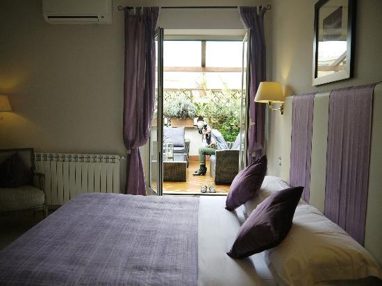 Althea Inn Roof Terrace: Room