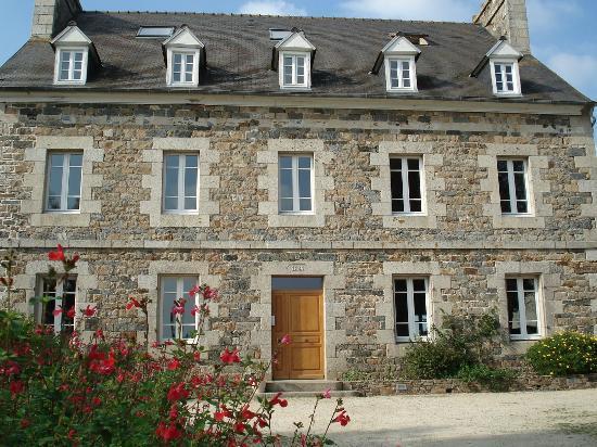 Le Presbytère De Plounez : Chambres d'hôtes-Presbytère de Plounez