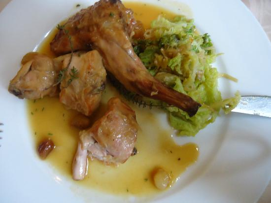 Hotel de France restaurant : Main course of the €12,95 menu: I had the best rabbit I ever had