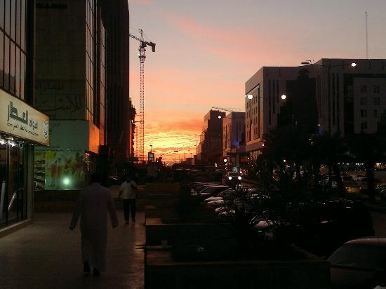 Rwaq Sulaimaniah: Riyadh centre Olaya Street about 3km from hotel