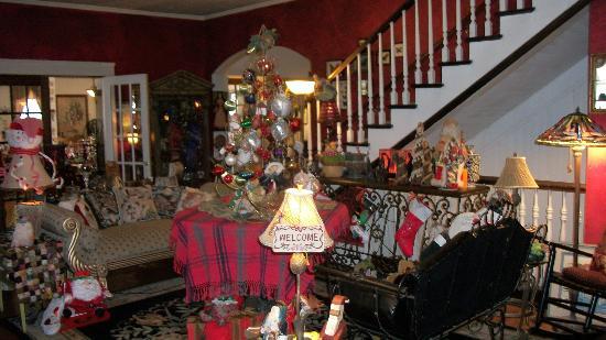 Marilyn's Melrose Inn : living room