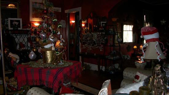 Marilyn's Melrose Inn : living rm