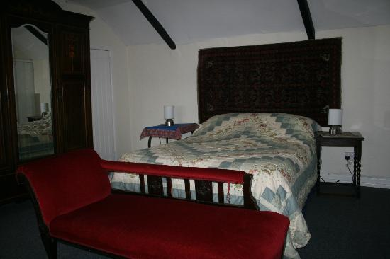Lower Blackaton: Double Bedroom