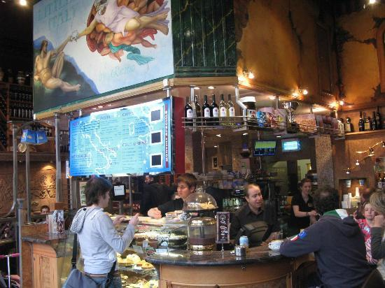 Little Italy: fun at the bar
