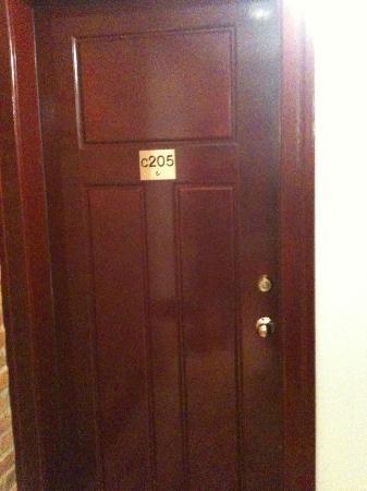 Hotel l'Abri du Voyageur: Our room