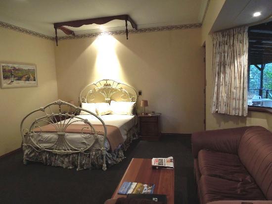 جرانج أون فارلي: Bedroom