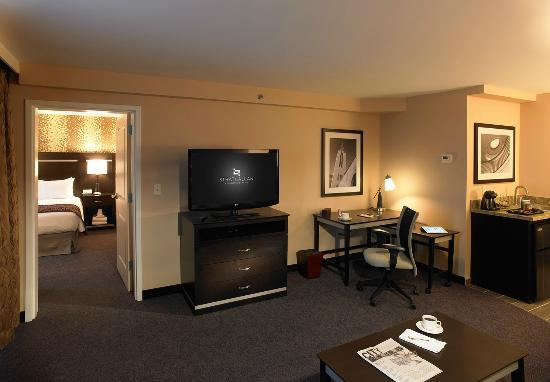 Strathallan - a DoubleTree by Hilton: 2 Room Suite