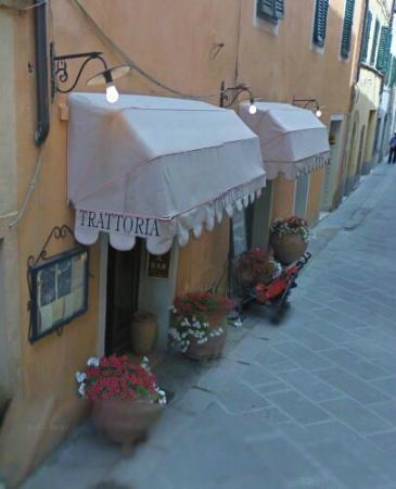 Trattoria Osenna: Nella romantica via Dante di San Quirico d'Orcia