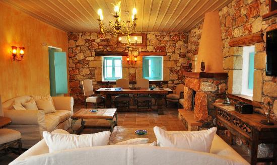 Interior - Picture of Pandora Hotel, Areopoli - Tripadvisor