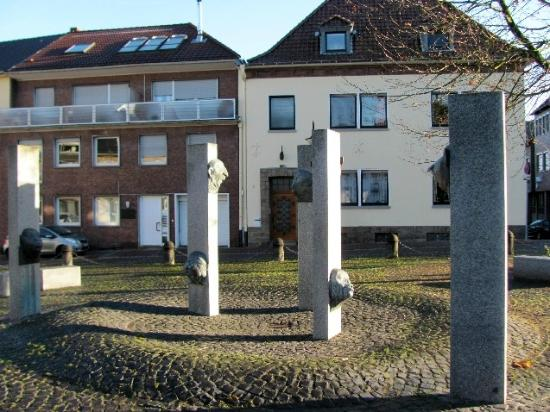 ‪Narrenbrunnen‬