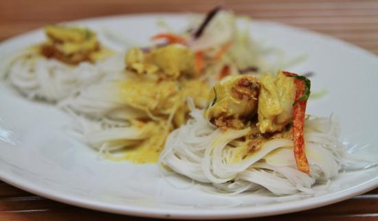 Khaothong Terrace: Yellow Curry Crab
