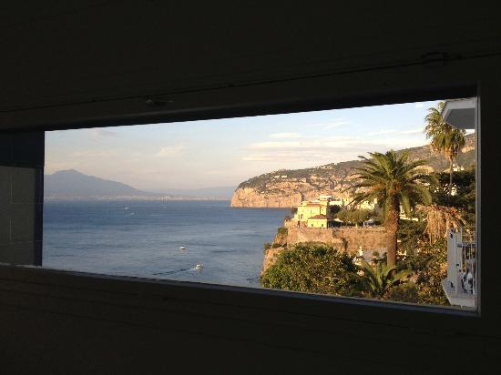 Hotel Parco dei Principi: View Out Side Window