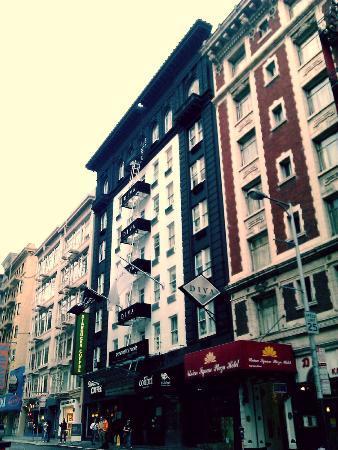 Hotel Diva: hotel building
