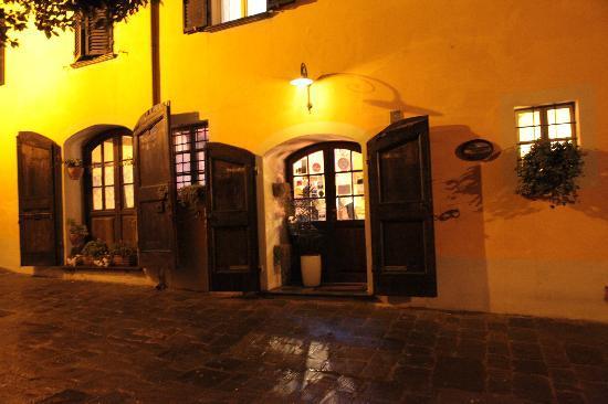 Illuminazione notturna picture of antica casa dei rassicurati