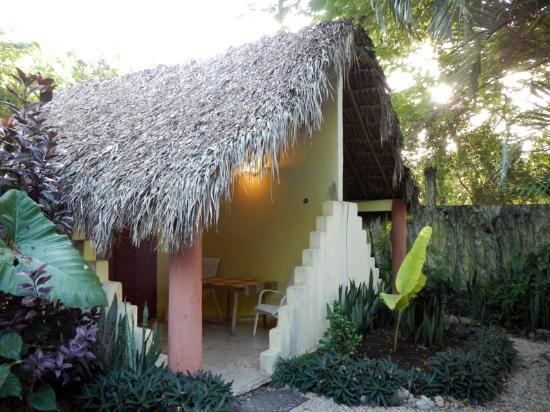 "Genesis Eco-Oasis: The ""Hobbit House"""