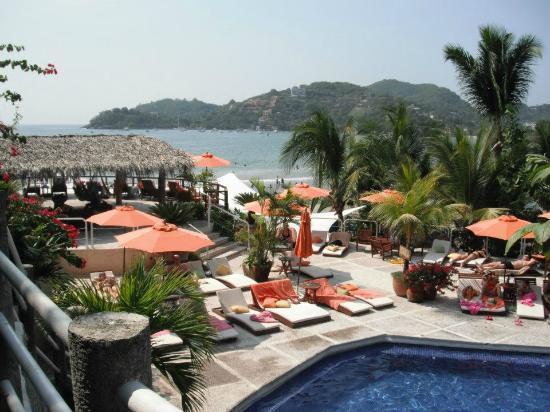 Aura del Mar Hotel: Pool area