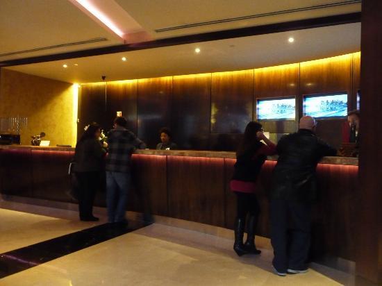 Hilton Times Square: Recepción