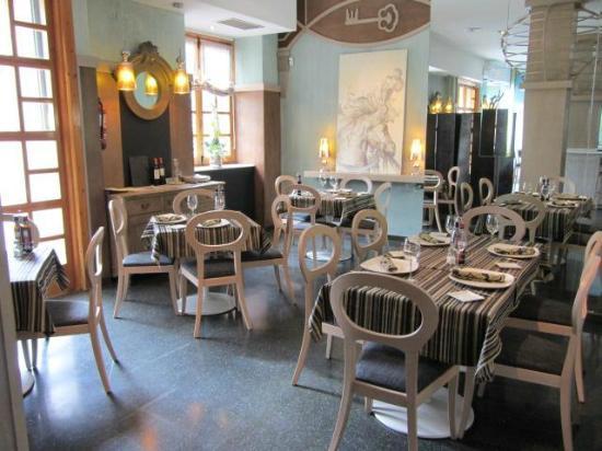 Taperia-Restaurante San Pedro: Foto de interior
