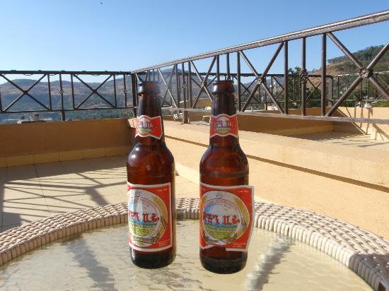 Taye Belay Hotel : Beers on balcony