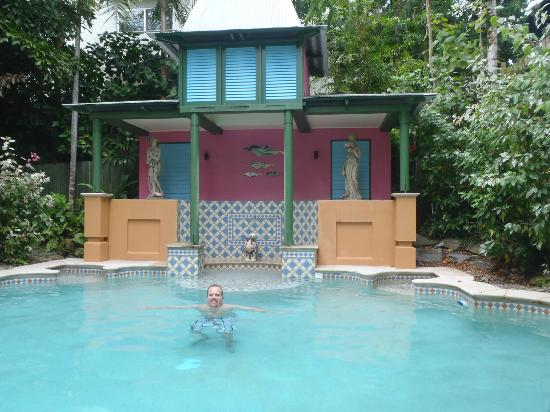 Martinique on Macrossan: Hubbs in the pool