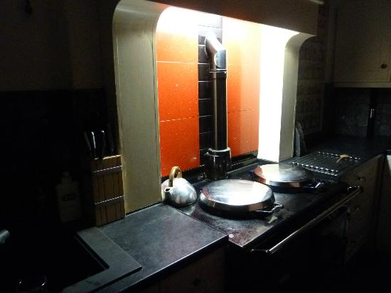 Millyard House: The heart of the house, our beloved Aga