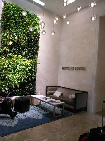 Distrikt Hotel New York City, Tapestry Collection by Hilton: Reception