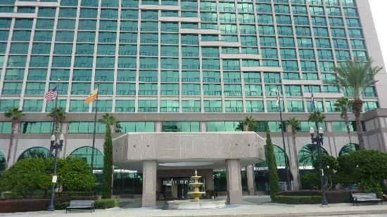 Hyatt Regency Jacksonville Riverfront: front of hotel