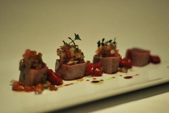 Sollun Restaurante - Pintada 23: tuna Tataki