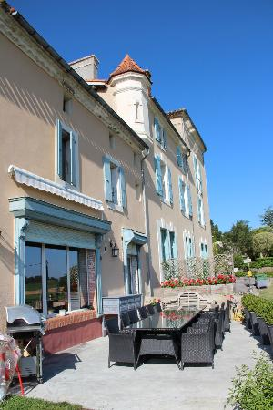 Chateau Coquelicot: vue de la terrasse