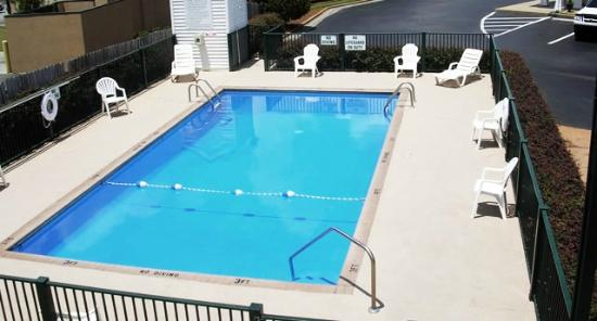 Days Inn Americus: Pool