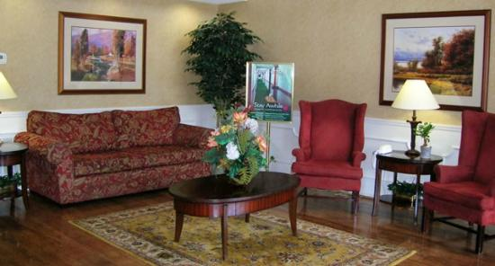 Days Inn Americus: Lobby Area