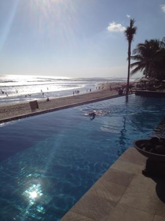 The Legian Bali: Early morning swim