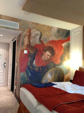 Hotel Vier Jahreszeiten Kempinski Munchen: Artwork in room