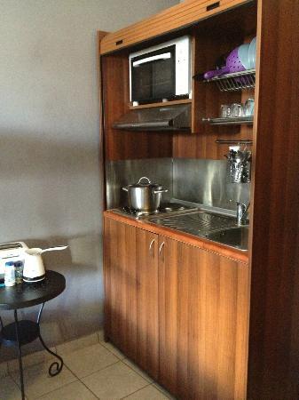 Little Big House: In-room kitchenette.