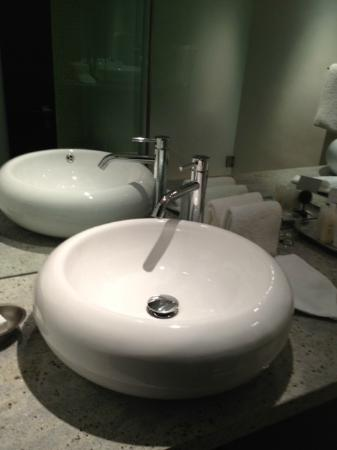 Sunset Marquis: amazing vanity