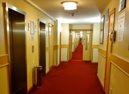 Clayton Hotel Manchester Airport: Hallways