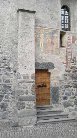 Chiesa di San Vitale: affreschi laterali