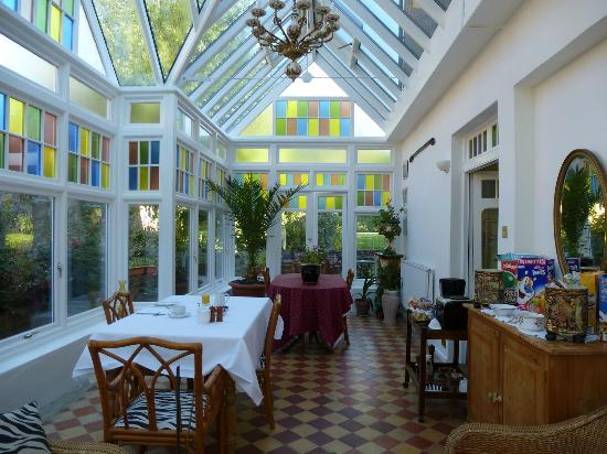 Glenferness B&B: Breakfast in the conservatory