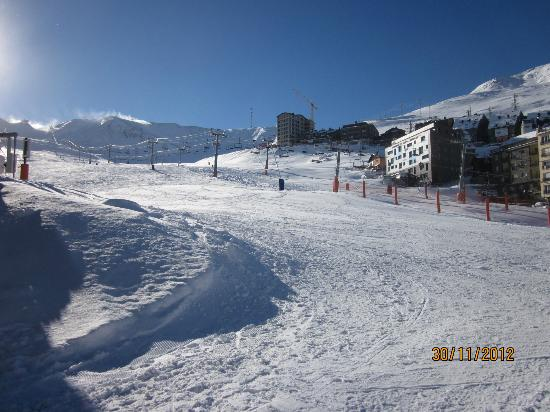Andorra la Vella, Andorra: The slopes at the end of the afternoon