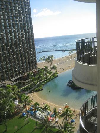 Hilton Grand Vacations at Hilton Hawaiian Village: View from our Studio at Lagoon Tower