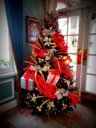 Reception Lobby Christmas Tree Picture Of Sandals Royal