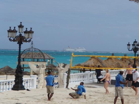 Sandals Royal Bahamian Spa Resort & Offshore Island: Beach